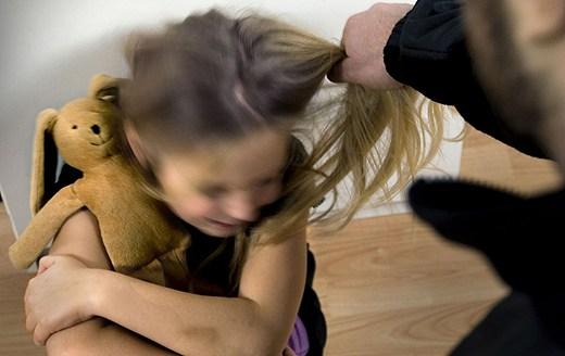 Varmācība pret bērnu