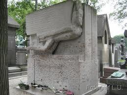 Oskara Vailda kaps Perlašeza kapsētā