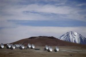 Alma teleskops Čīle foto PHYS ORG