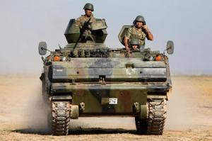 tucijas armija uz Sīrijas robežas