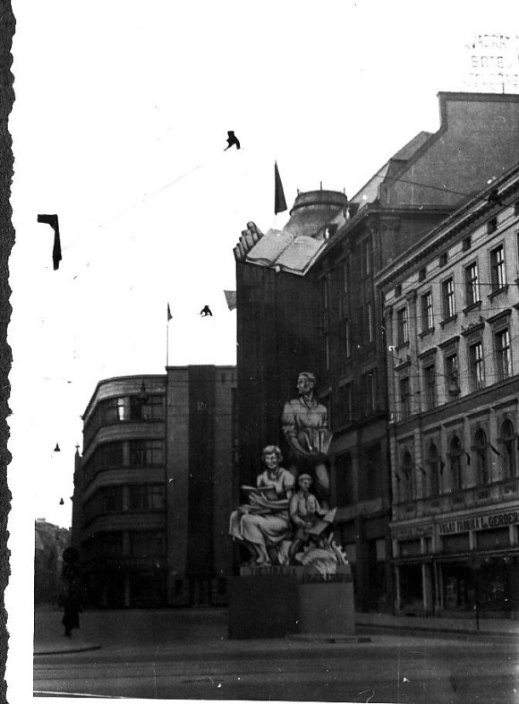 1940. g. 7. novembris Rīga © Hermanis Veinbergs / Sandra Veinberga, NordicBaltic Communications