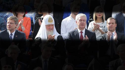 Ušakovs kopā ar Kremli