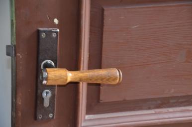 Aumeisteru durvis