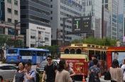 Cilvēki uz ielas Seulā 6