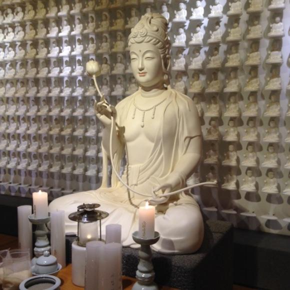 Budas altāris