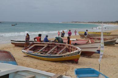 Zvejnieki noskatās