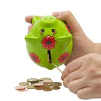 Nauda neguļ jeb bankas kā politisko krīžu izraisītājas