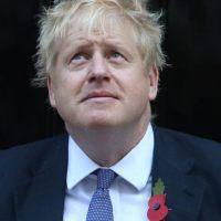 """Apvienoto Karalisti vada puišeļi: """"Brexit"""" sāga kā privāto internātskolu produkts"""