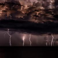 Klusā vētra turpinās