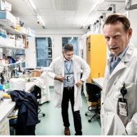Krievija forsē covid-19 vakcīnas ražošanu. Oktobrī sāks vakcinēt bez garantijām