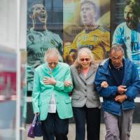 Vecuma rasisms jeb kāpēc sabiedrība necieš sirmus matus?